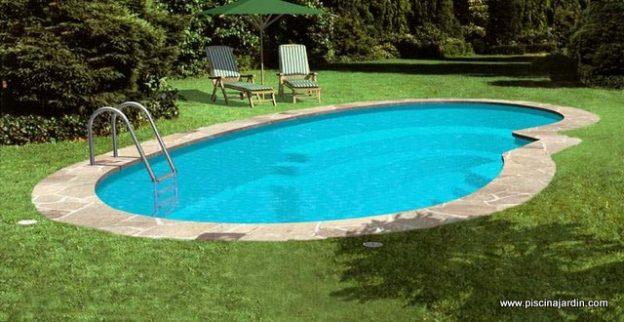 piscina de fibra con albardilla de piedra